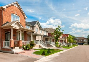 The Pros and Cons of Belonging to an HOA