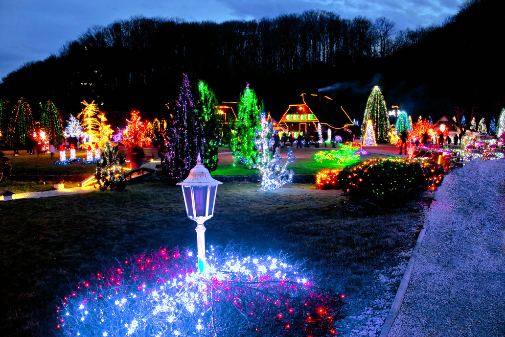 Best Neighborhoods For Christmas Lights Square Cow Movers